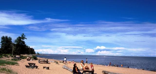 Hay River Territorial Park - Public Beach